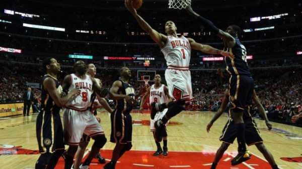 Два баскетболиста осуществляют по два броска вероятность попадания